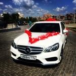 Mercedes E-class W212 для свадьбы белого цвета